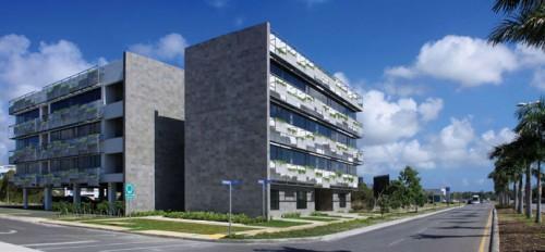 Centros comerciales y administrativos del este.Edificio Cedro.