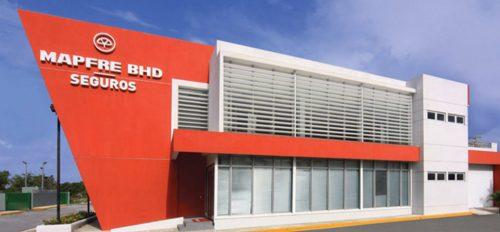 Sistema móvil de protección solar para fachadas
